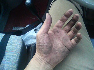 dirtyhand.jpg